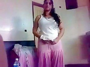 SHAHIDA fucked at Lahore hotel