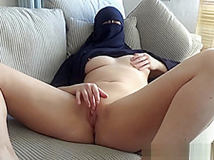 Arab teen with niqab gets a facial - sloppy blowjob and fucking