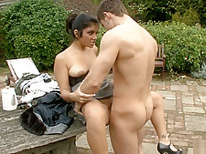 HOT INDIAN BRITISH GIRL OUTDOOR SEX
