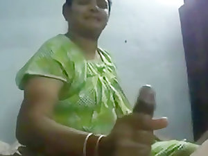 BEST SLIMY Handjob Indian Desi aunty wife