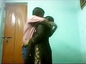 Sexy Indian Woman Gets Molested On WebCam on hotcamgirls . in