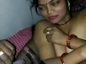 Bhabhi boli video bna rage ho debar ji