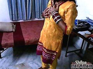 indian wife shilpa masturbating in her bedroom