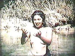 Classic Indian mallu girl Abhilashi old clip topless